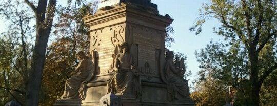 Beeld Joost van den Vondel is one of Monuments ❌❌❌.