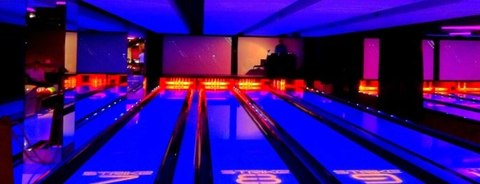 Strike Bowling Bar is one of Claudioさんのお気に入りスポット.