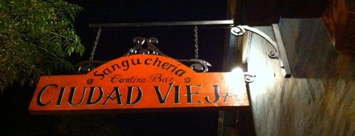 Ciudad Vieja is one of Comida.