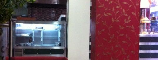 La Defne Cafe & Restaurant is one of Locais salvos de Cemre.