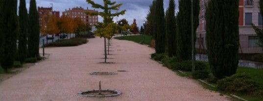 Parque Gran Vía de Hortaleza is one of Los mejores lugares para hacer deporte en Madrid.