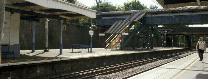 Gidea Park Railway Station (GDP) is one of TFL Elizabeth Line Stations.