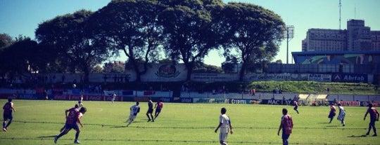 Parque Palermo is one of Aqui na terra tão jogando futebol.