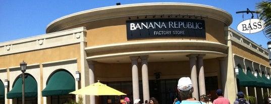Banana Republic Factory Store is one of สถานที่ที่ Pitufry ถูกใจ.