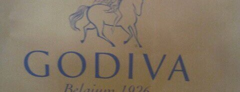 Godiva Chocolatier is one of Posti che sono piaciuti a Camille.