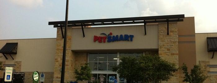 PetSmart is one of Lieux qui ont plu à Amanda.