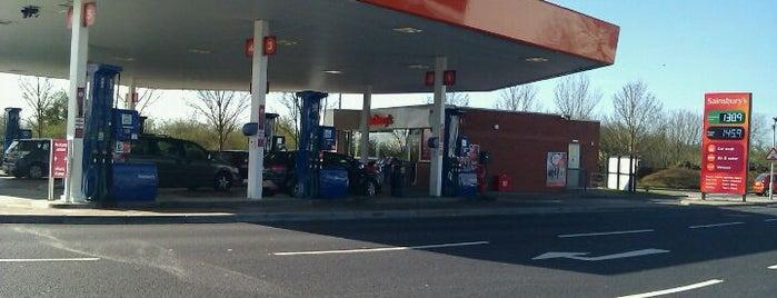 Sainsbury's Petrol Station is one of Posti che sono piaciuti a Barry.