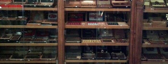 Charlies Cigar Club is one of Lugares guardados de Alex.