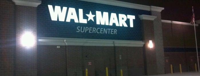 Walmart Supercenter is one of Tempat yang Disukai Candi.