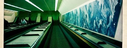 Maastunnel is one of Nizozemí.