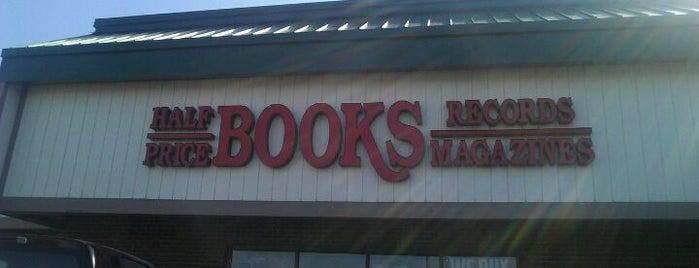 Half Price Books is one of Tempat yang Disukai David.