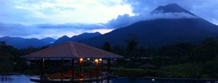 Hotel Arenal Manoa is one of Posti che sono piaciuti a Carmen.