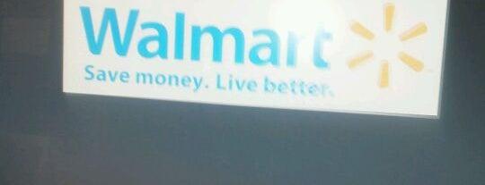 Walmart Supercenter is one of Lieux qui ont plu à Owl.