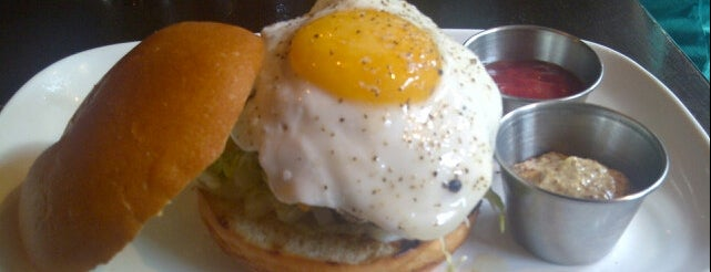 Old Town Social is one of Chicago Brunches.