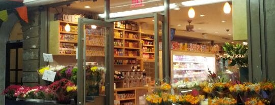 Epicurean Market is one of Manhattan Haunts.