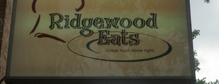 Ridgewood Eats is one of Orte, die Karen gefallen.