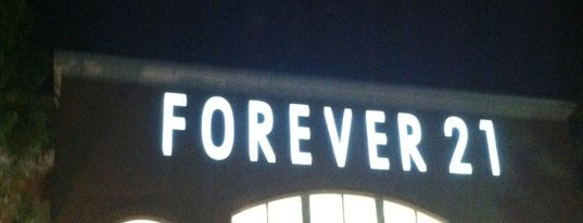Forever 21 is one of Dee : понравившиеся места.