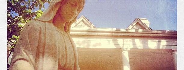 St. Joseph's Catholic Church is one of Lugares favoritos de Sarah.