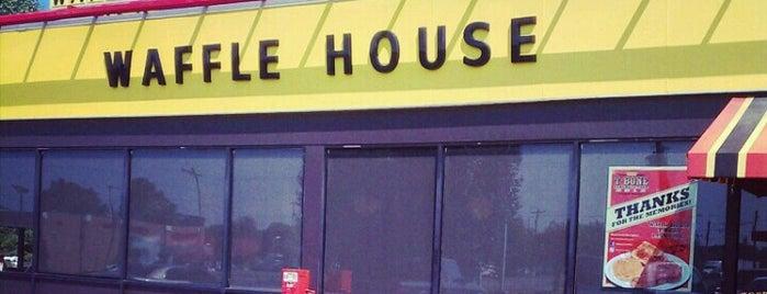 Waffle House is one of Locais curtidos por Brendiflex.