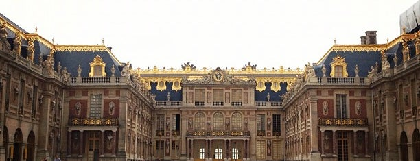 Palacio de Versalles is one of wonders of the world.