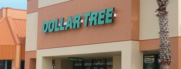 Dollar Tree is one of Orte, die Alberto gefallen.