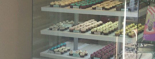 La Cupcakeria is one of La Zona..