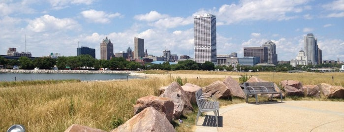 Lakeshore State Park is one of A State-by-State Guide to America's Best Parks.