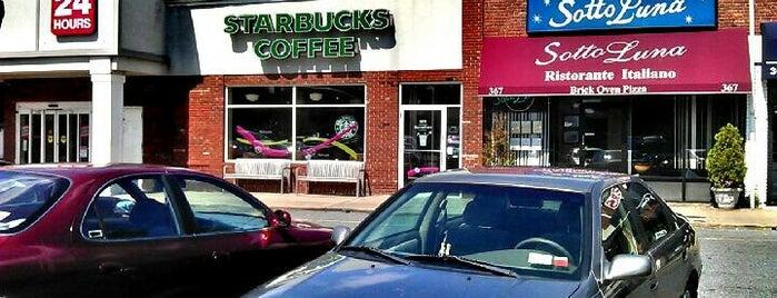 Starbucks is one of Tempat yang Disukai Patrick.
