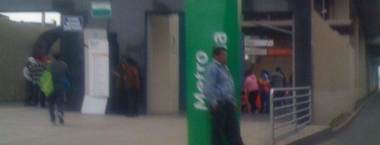 Estación Miguel Grau is one of สถานที่ที่ Jamhil ถูกใจ.