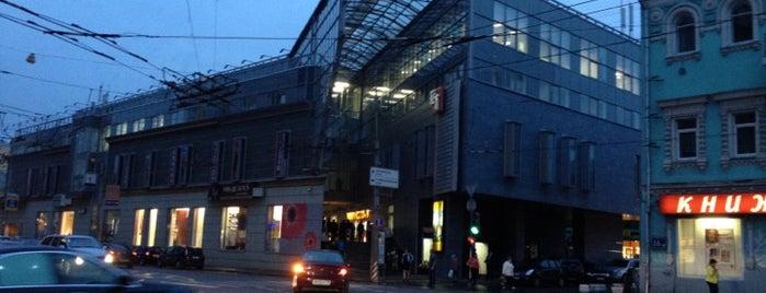 ТЦ «Елоховский пассаж» is one of TOP-100: Торговые центры Москвы.