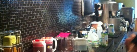 Starbucks is one of Locais curtidos por Robert.
