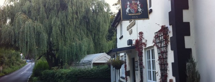 The Winchfield Inn is one of Posti che sono piaciuti a Henry.