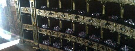 Teatro Colón is one of Lugares para visitar en Bogotá :).