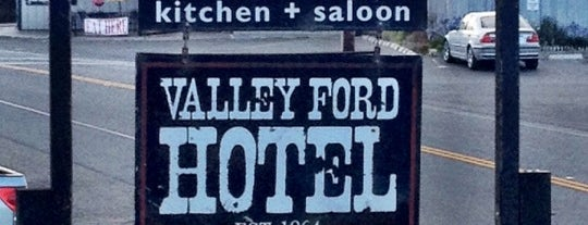 Rocker Oysterfeller's Kitchen + Saloon is one of Eco Eating North Bay.