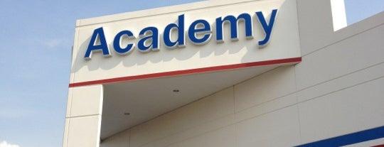 Academy Sports + Outdoors is one of Lugares favoritos de miroslaba.