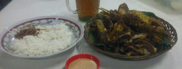 """Ayam Goreng Kampung """"Asean"""" is one of Ike 님이 저장한 장소."""