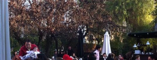 Kiosko Santa Fe is one of Terrazas Sevilla.