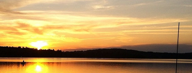 Caspian Lake is one of Vermont.