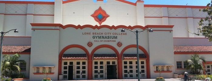 Long Beach City College is one of Rachel'in Beğendiği Mekanlar.