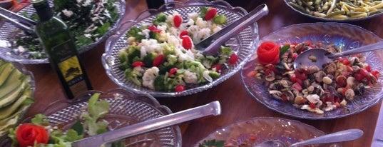 Mango's Restaurante is one of Locais curtidos por Milena.