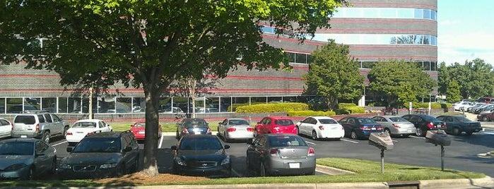 Atrium Building is one of สถานที่ที่ Scott ถูกใจ.