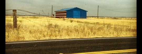 Red White And Blue Barn is one of Posti salvati di Valerie.