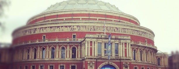 Royal Albert Hall is one of Top London attractions.