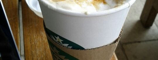 Starbucks is one of Lugares favoritos de Bego.