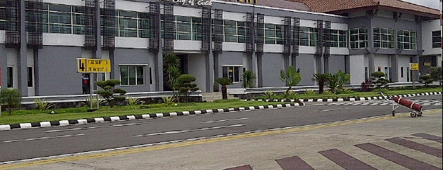 Adi Soemarmo International Airport (SOC) is one of Part 1~International Airports....