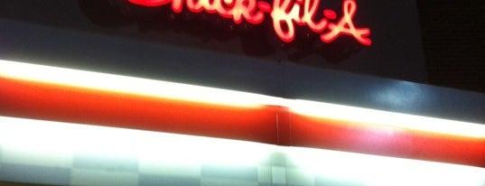 Chick-fil-A is one of Orte, die Jason gefallen.