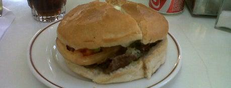 Dominó Guardia Vieja is one of Sandwicherias de Santiago.
