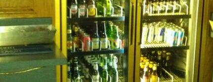 C&J's Sports Bar is one of Posti che sono piaciuti a Nic..