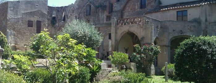 Monestir de Sant Jeroni de la Murtra (XV-XIX) is one of Lugares favoritos de Valentina.