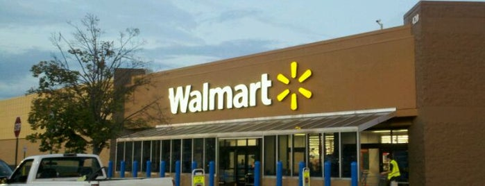Walmart is one of Locais curtidos por Shatha.